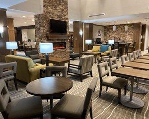 Lobby - Staybridge Suites Denton