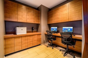 Conference Area - SpringHill Suites by Marriott Airport Oakland