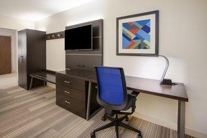 Room - Holiday Inn Express Hotel & Suites Manassas