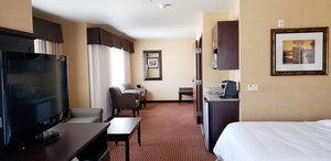 Suite - Holiday Inn Express Frazier Park Lebec